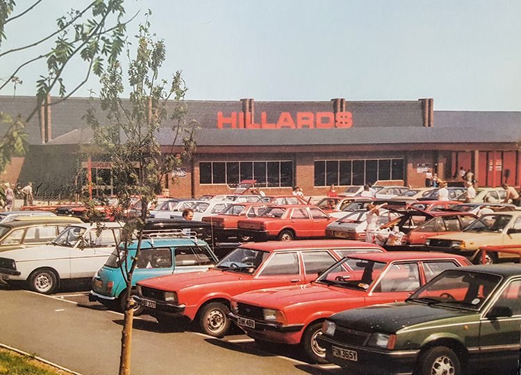 Hillards supermarket - external photo